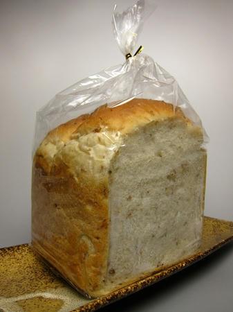 パン工房 くるみの森 玄米食パン