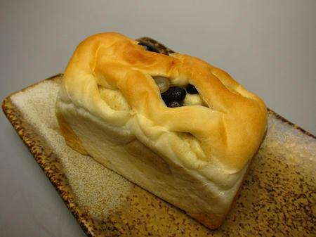 パンの香り timo 五色豆のパン