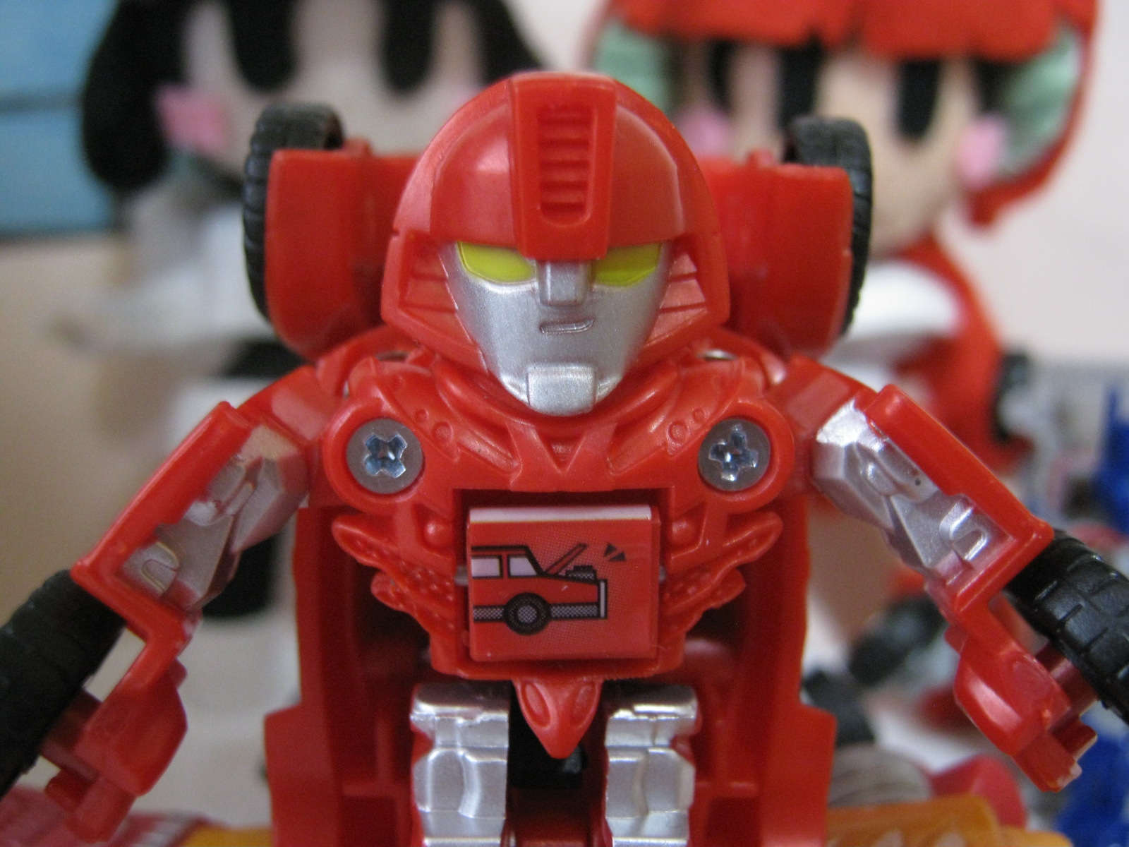 transformers takara tomy toy Be cool japan bot shots red mirage face エンジントラブル