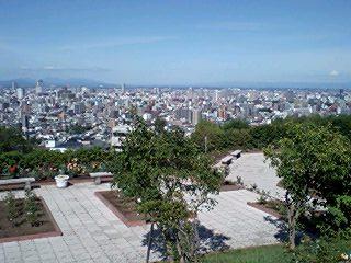 ちざきバラ園から見た札幌
