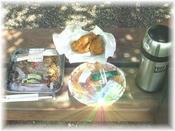 ミートスパと焼きソバ、そしてチキン