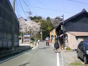 祭りの山車が通るメイン道路