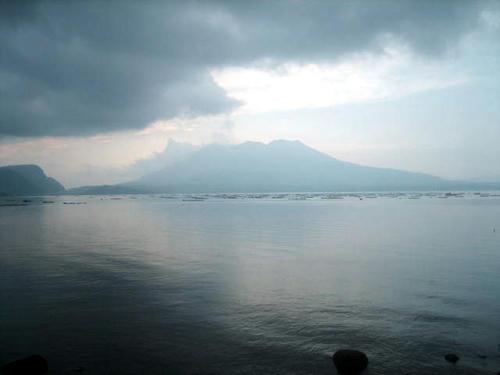 大隅半島から見た桜島