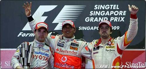 podium-singapore-z-11_270909.jpg