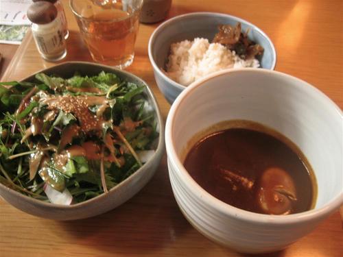 温泉卵と野菜の和風カレー