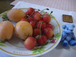 果物とテディベア