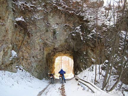 栗原川林道・トンネル