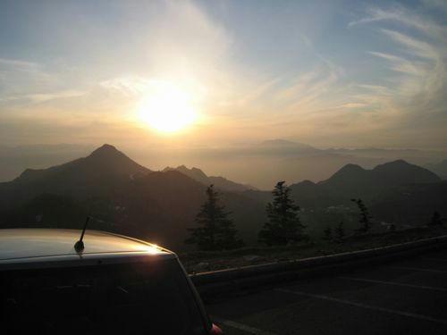横手山の夕日