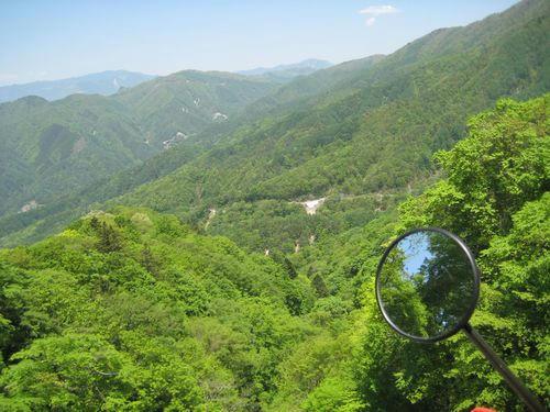 上日川峠から少し進む