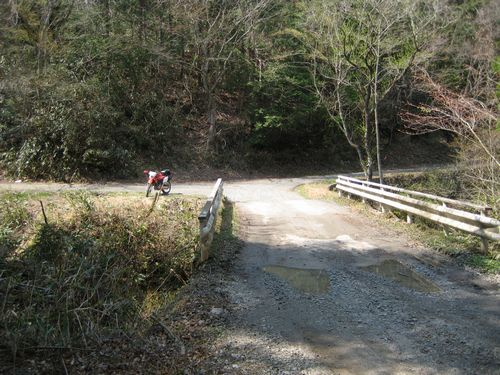 滝谷林道・井出川林道への分岐