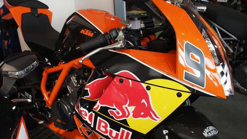 1190RC8R RED BULL