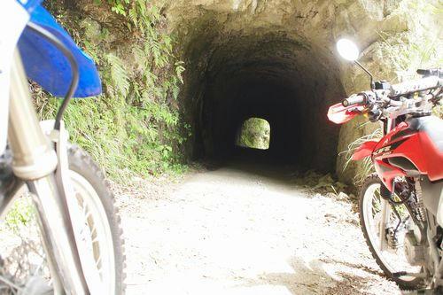 素彫り風トンネル