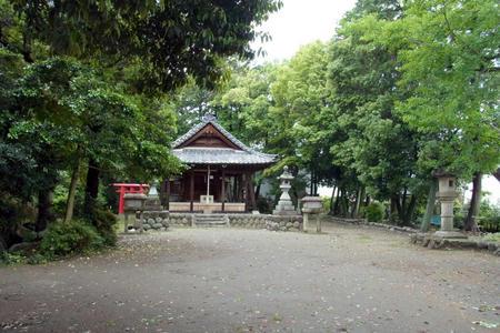 八剣神社・境内
