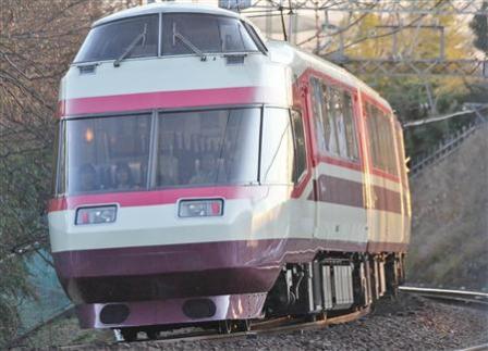 小田急電鉄の特急ロマンスカー、引退へ
