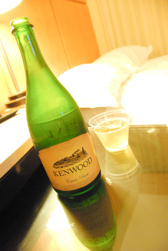 【Hawaii-Drink】ホテルからのプレゼント(写真食堂)