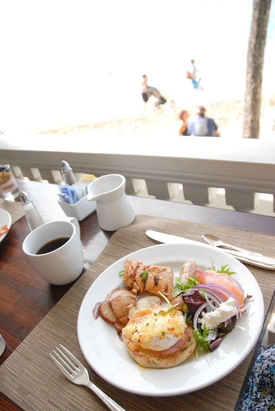 【Hawaii-Breakfast】モアナサーフライダー(MOANA SURFRIDER)の朝食(写真食堂)