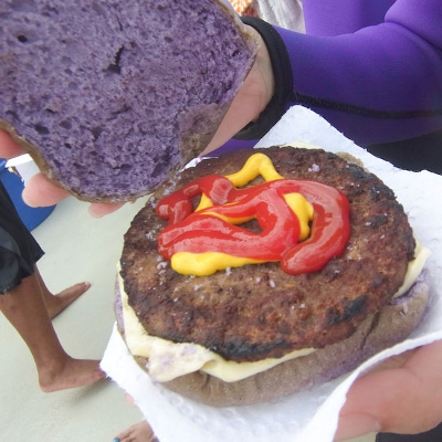 【Hawaii-Breakfast】イルカのハンバーガー(写真食堂)