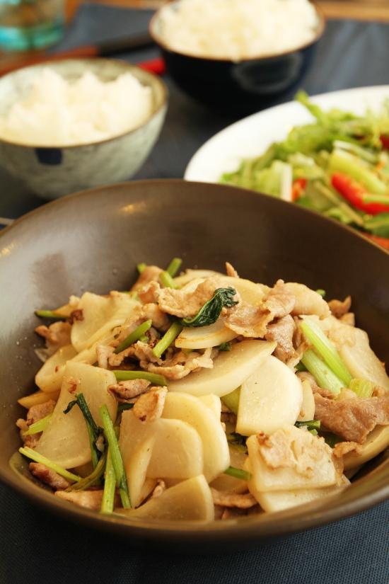【レシピ】かぶっと食べれる!カブと豚肉の塩炒め(写真食堂)
