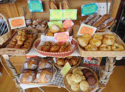 天然酵母の国産小麦100%パン