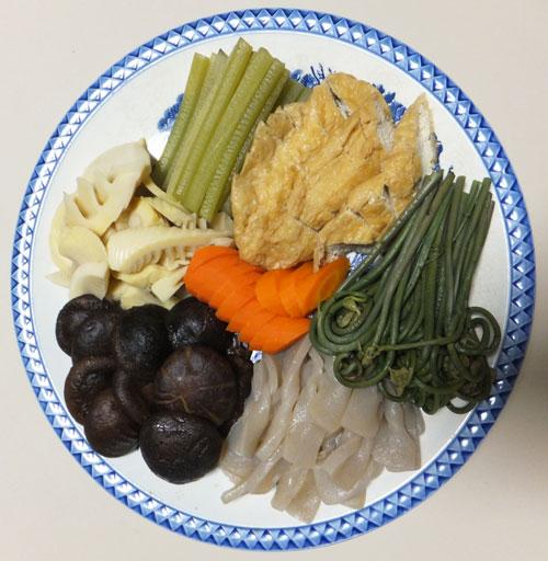 煮しめ 蕗 油揚げ タケノコ 筍 しいたけ わらび ワラビ