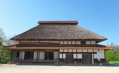 茅葺の家 築130年の豪農の古民家