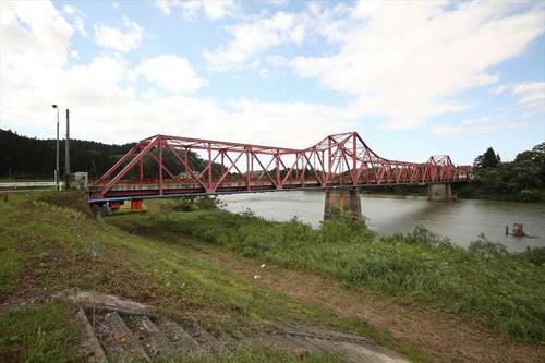 堀内橋 最上川カンチレバートラス街道(山形県)|轍のあった道